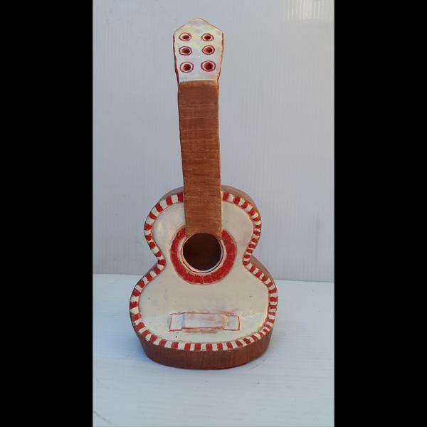 Guitarra roja Fermín Hache cerámica