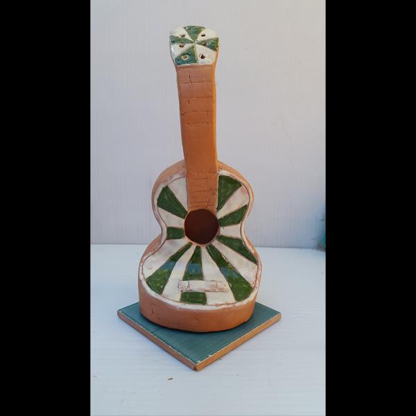 Guitarrita blaquiverde Fermín Hache cerámica