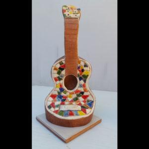 Guitarrita multicolor Fermín Hache cerámica