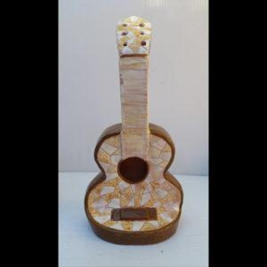 Guitarra ocre Fermín Hache cerámica